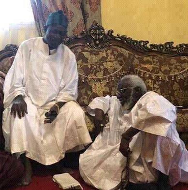 CLARIFICATION AU SOMMET DE LA MOURIDIYAH - Serigne Dame Atta confirme que Serigne Sidi Abdou Lahad est son aîné... pour que nul n'en ignore