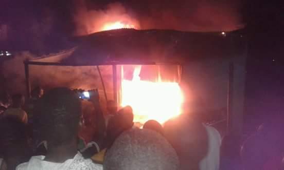 Incidents à Kédougou : Les sapeurs frôlent le pire, deux jeunes arrêtés par la police, le gouverneur convoque une réunion d'urgence nuitamment au camp des sapeurs.