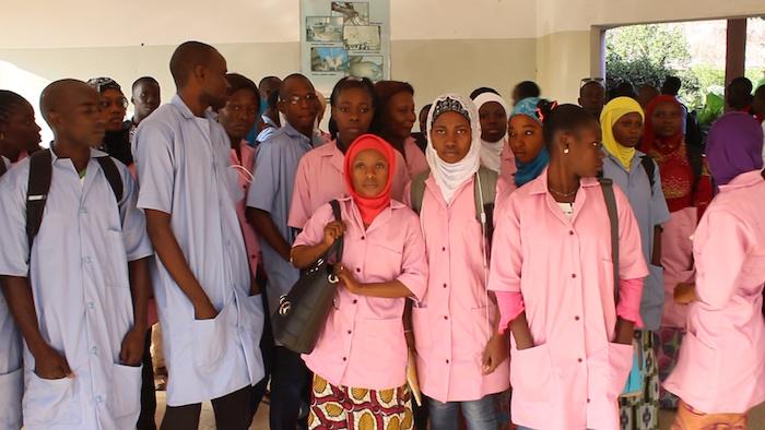 ZIGUINCHOR : 72 H de grève et sit-in des élèves sages-femmes et élèves-infirmiers d'État du CRFS