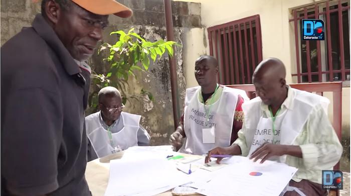 Guinée : Prolongement du vote jusqu'à 20h, les résultats attendus d'ici lundi matin
