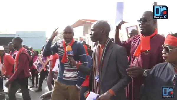 Marche de l'opposition : des karimistes crient leur ras-le-bol vis-à-vis d'un de leurs responsables