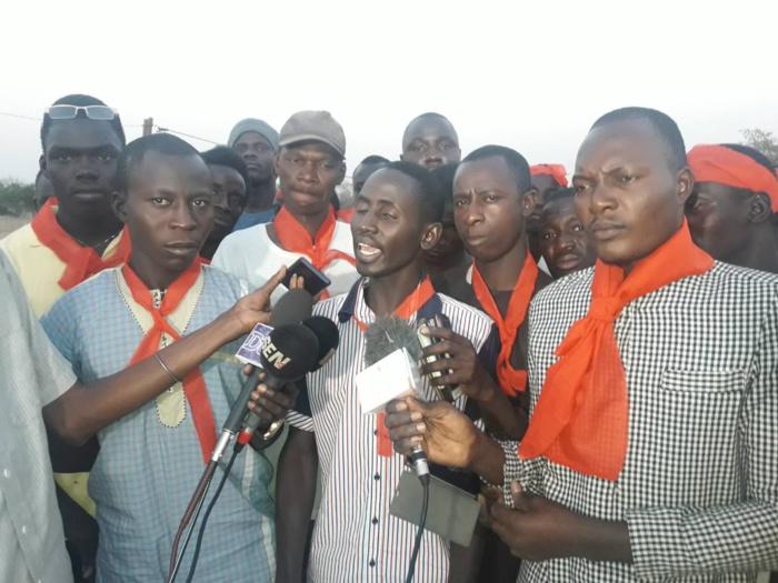 MBAR - Les jeunes attaquent tout le monde... la Mairie, le Conseil départemental et le Premier ministre