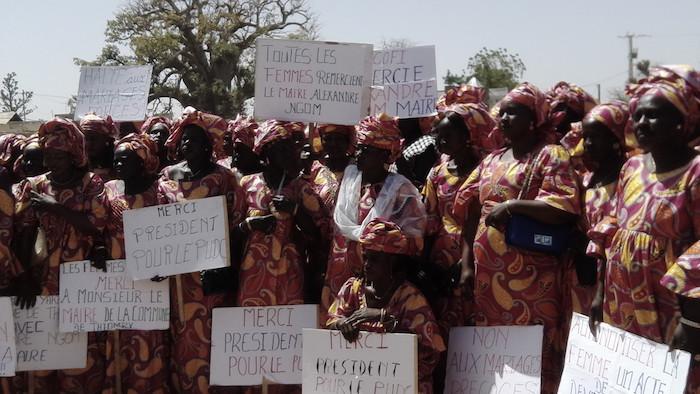 Journée Internationale de la Femme : Au moins 300 femmes de la commune de Thiomby ont organisé une marche pacifique