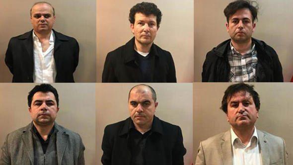 """Six Turcs """"Gülénistes"""" arrêtés au Kosovo, extradés vers la Turquie"""