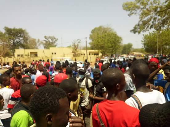 MOUVEMENT D'HUMEUR : Les élèves de Kédougou dans la rue