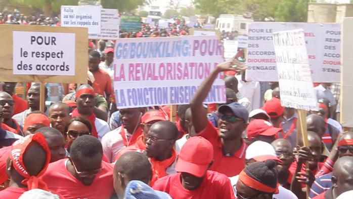 PONCTIONS SUR SALAIRES / RADIATIONS : Jusqu'où l'État ira-t-il avec les enseignants grévistes ?