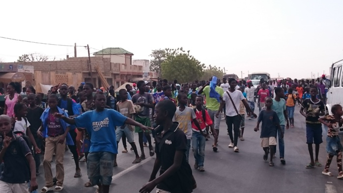 Kaolack/Sibassor: Les élèves improvisent une grande marche sur la RN1