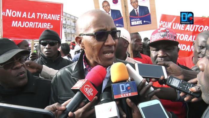 Transparence dans la gestion des ressources naturelles : Abdoul Mbaye rejette l'offre de dialogue de Macky Sall