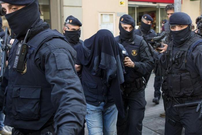 Le Sénégalais arrêté en Espagne battait sa femme pour l'obliger à regarder des vidéos de l'État islamique