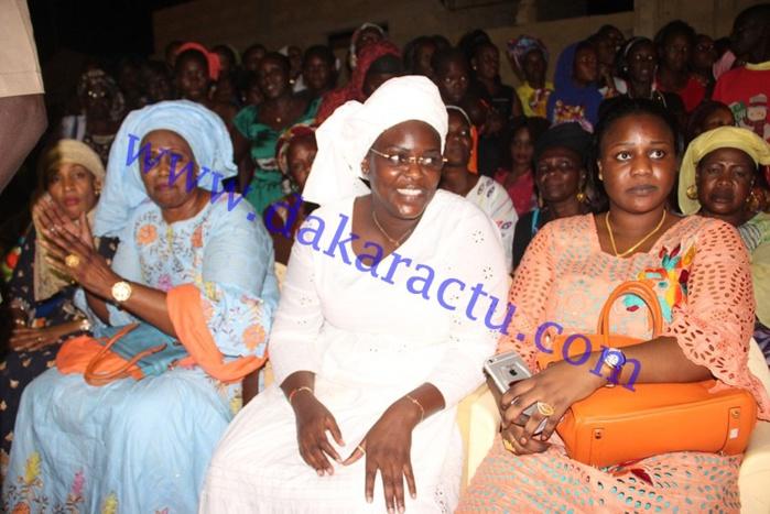 """La Fondation """"Servir le Sénégal"""" offre des machines à décortiquer aux femmes de Kédougou"""