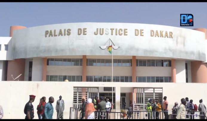 """Les """"candidats"""" à l'hégire Pape Kibily Coulibaly, Ibrahima Ndiaye et El Hadji Mamadou Bâ aptes pour 15 ans de travaux de forcés. ( Procureur )"""