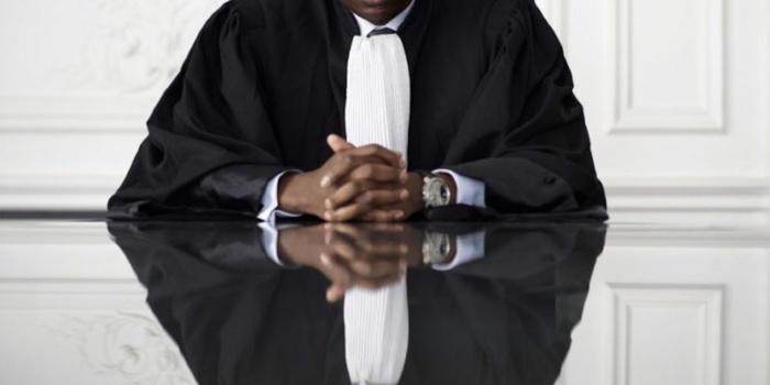 Un avocat du barreau de Dakar pris en flagrant délit d'escroquerie