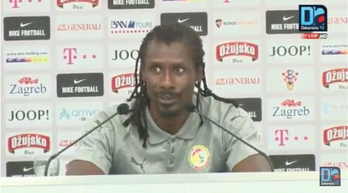 """Aliou Cissé se plaint de l'arbitrage : """"Un match international joué en Croatie et arbitré par des arbitres Croates, on savait qu'ils allaient plus être de leur côté"""""""