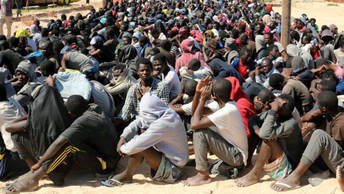 Trafic de migrants africains : la France gèle les avoirs éventuels de six chefs de réseaux