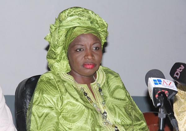 Conférence religieuse à Kaolack : Mimi  Touré invite les politiciens à renforcer la bonne cohésion des confréries religieuses dans le pays.
