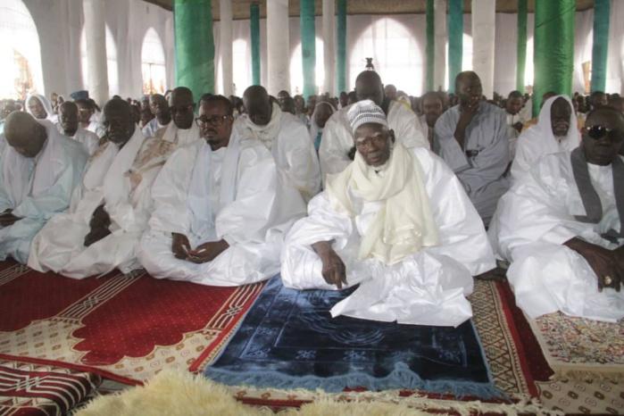 L'APPEL DU KHALIFE DES MOURIDES : '  Prioriser l'islam avant les tarikhas... Nos tarikhas se déliteront si l'Islam se perd... Les tueries entre musulmans ne se justifient  pas '