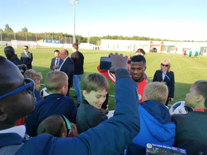 KALUGA : Moment de communion entre les Lions et leurs fans