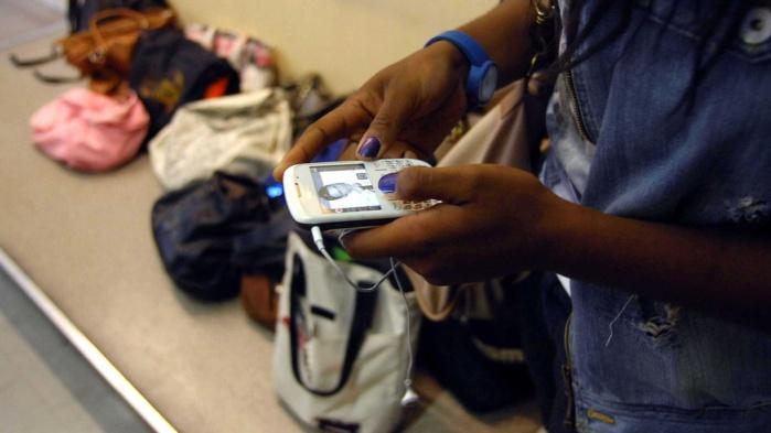 Baccalauréat : le téléphone portable interdit