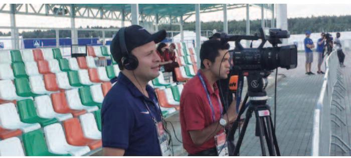 Des journalistes Colombiens à la séance d'entraînement des Lions à Kaluga
