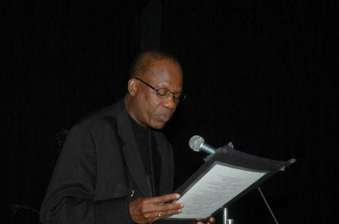 Prix Tchicaya U Tamsi de la poésie : le Président félicite Amadou Lamine Sall