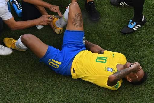 Neymar a passé 14 minutes à terre depuis le début du Mondial