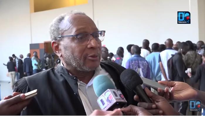 Me Yérim Thiam insulte l'avocat français Jackubowicz Alain, l'audience brièvement suspendue