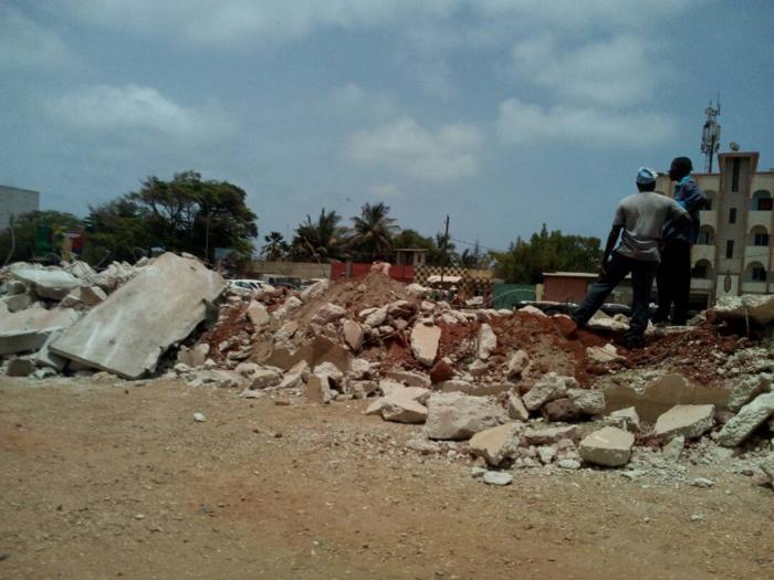 Cité Keur Yarakh : Tension autour du TER, le mur de sécurité qui sépare les maisons des rails détruit