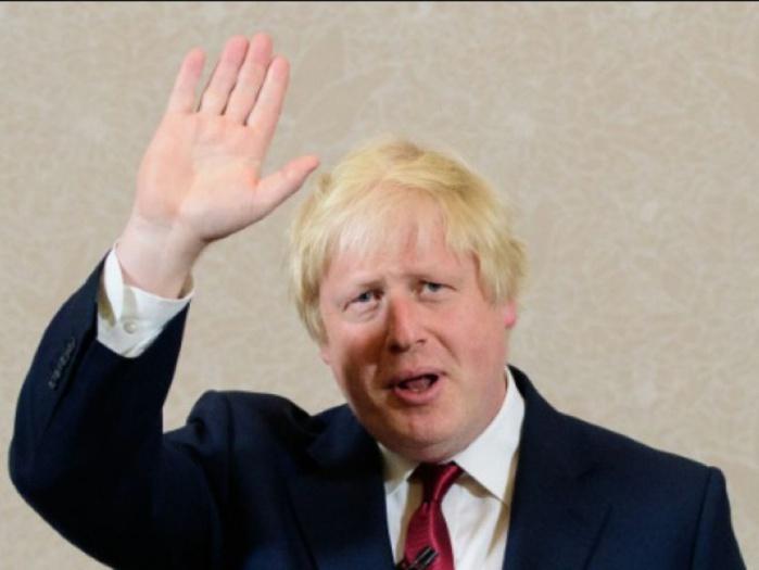 Angleterre : un « journaliste » gagne le double du salaire du ministre des Affaires étrangères