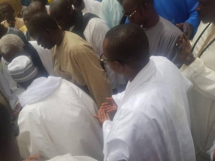 Journée de prières et de lecture du Coran et Khassaïdes à la Grande mosquée de Touba en présence du Khalife général des Mourides (IMAGES)