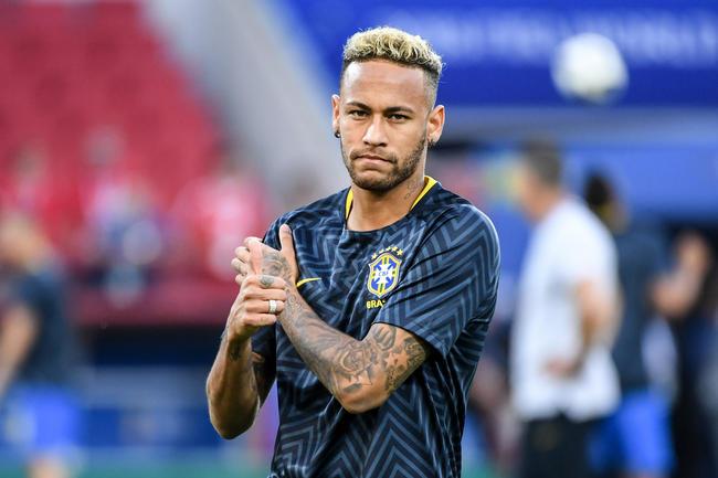 """Brésil : des critiques """"exagérées"""", son coup de blues... Après le Mondial, Neymar vide son sac"""