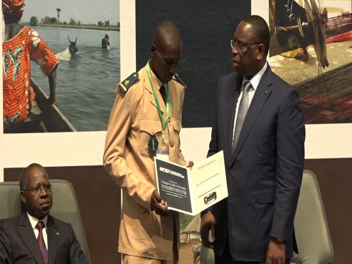Délégation générale à l'entreprenariat rapide : Les images de la cérémonie de remise des 10 milliards aux premiers bénéficiaires au CICAD
