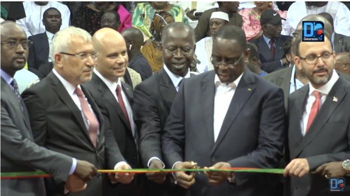 """Le palais des sports """"Dakar Arena"""" inauguré en grande pompe par le président Macky Sall"""