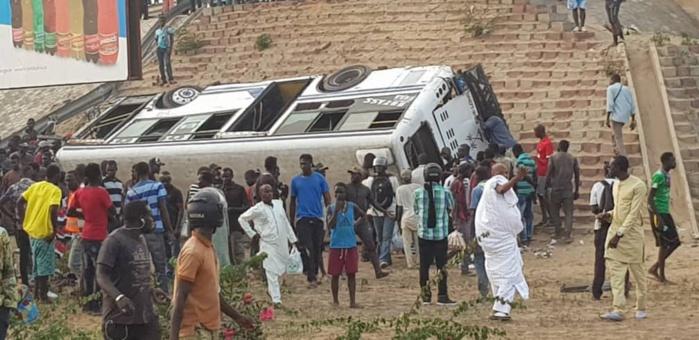 Échangeur Patte d'Oie : Un bus « Tata » chute du pont et fait plusieurs blessés