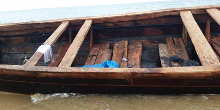 Une pirogue de migrants échoue sur la Corniche-ouest de Dakar