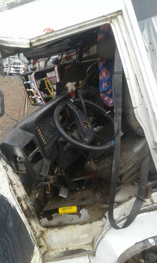 Accident à Khombole : 18 victimes enregistrées dont 3 blessés graves... Des moutons ont aussi péri dans une collision entre un bus et un camion (IMAGES)