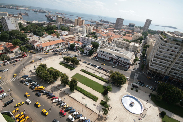 Dakar et ses épaves d'automobiles