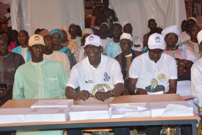 Village du parrainage à Yoff : Abdoulaye Diouf Sarr mobilise ses troupes et fixe un quota de 22.500 signatures.
