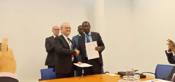 Siège de l'IAEA à Vienne : Le ministre de l'Enseignement Supérieur Mary Teuw Niane signe un accord de partenariat avec l'INSTN de France