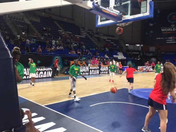 Échauffement d'avant match Sénégal/Lettonie : Mise en jambe et enchaînements de tirs au menu