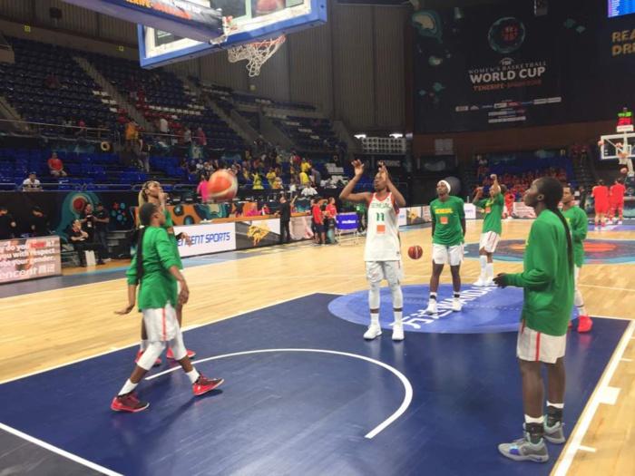 Sénégal/Chine : Une bonne ambiance lors de l'échauffement d'avant-match