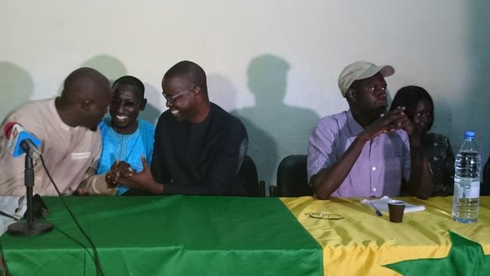 Thiès : La poignée de main appuyée entre Massaly et Diattara... Les deux leaders parlent de rapprochement entre Idy et Karim