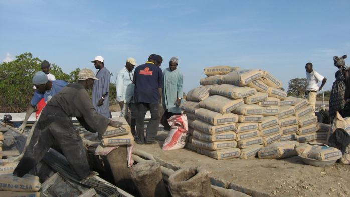 Hausse du prix du Ciment : Le Ministre du Commerce procède au blocage des prix à leurs niveaux antérieurs
