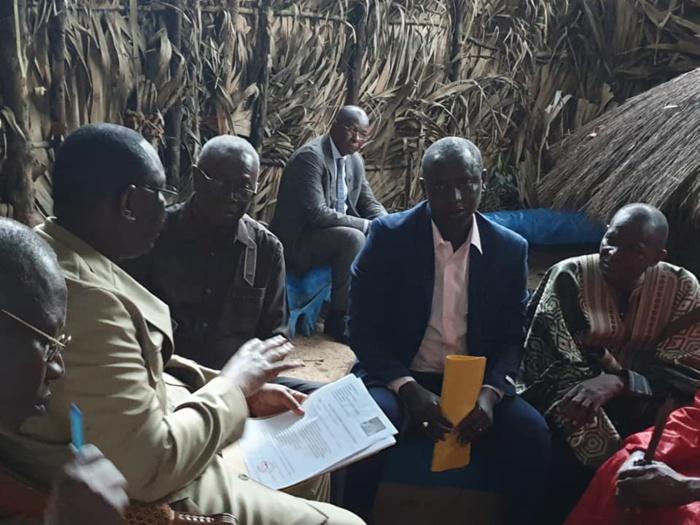 Visite : Le président Macky Sall en pleine discussion avec le Roi d'Oussouye