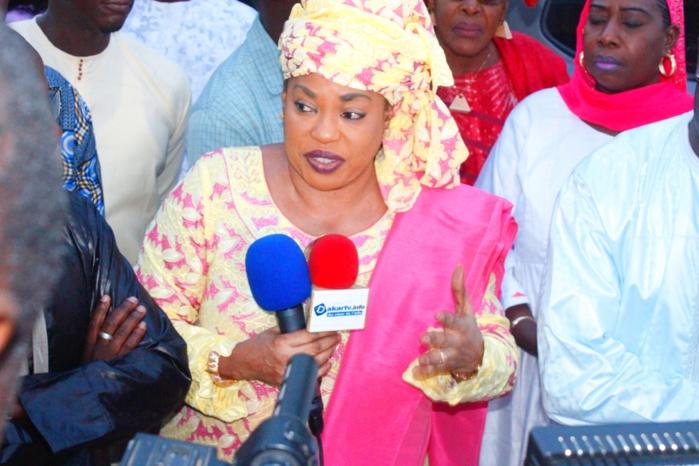 Société :  Ndèye Saly Diop vole au secours des populations des Hlm