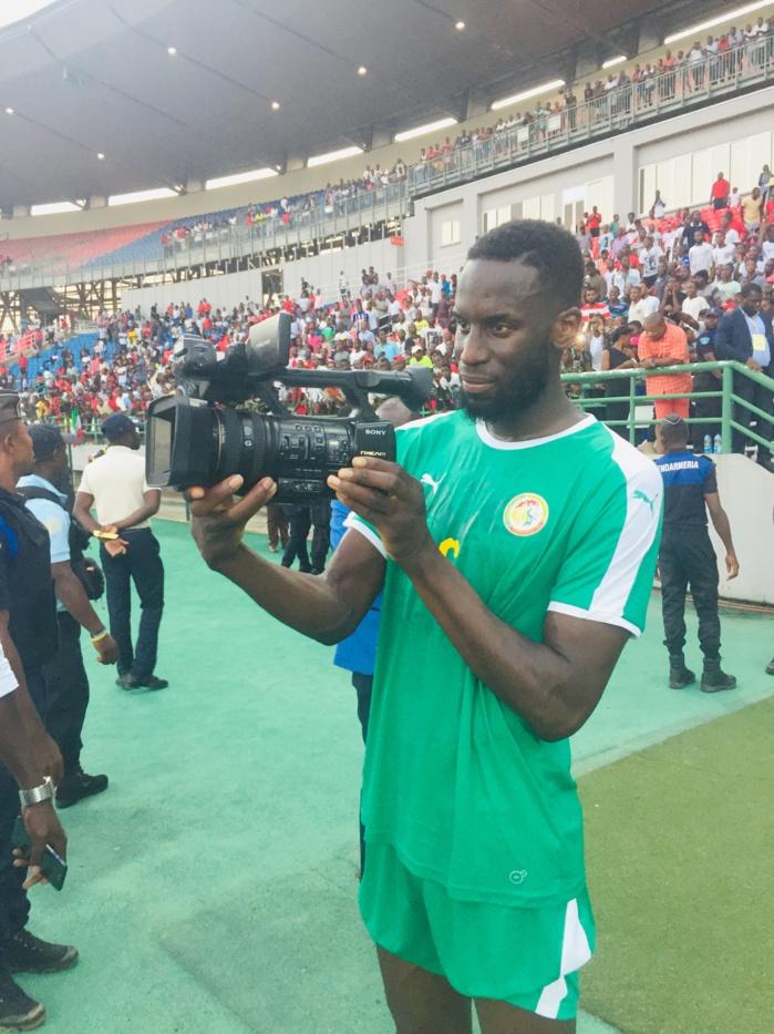 Quand le joueur Salif Sané s'improvise caméraman de Dakaractu