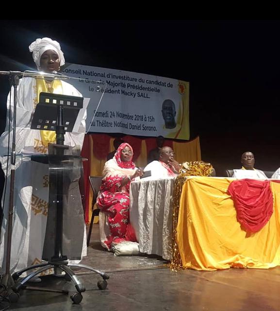 Congrès d'investiture de AJ/PADS : Mimi Touré rend un vibrant hommage à Landing Savané pour son combat de toute une vie au profit des populations.
