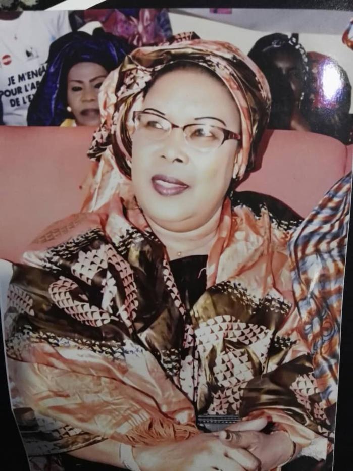 SOPHIE NDIAYE CISSOKHO : ' Quand le mensonge devient l'arme principale du politicien... Dans ce pays tous les gens sérieux sont avec le Président Macky Sall... Ce pays ne sera jamais confié à un voleur ou à un opportuniste '
