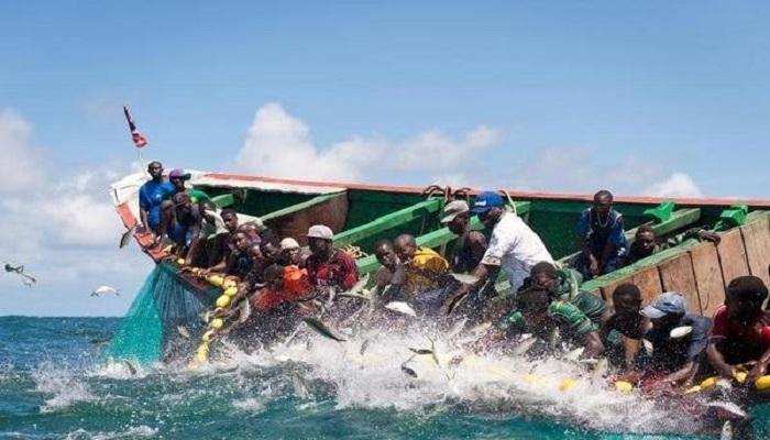 Saint-Louis/ Chavirement de 5 pirogues sur la brèche: 7 pêcheurs secourus