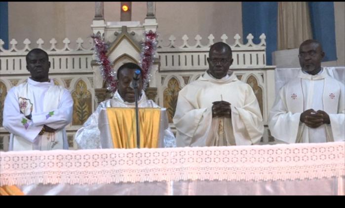 """Noël : """"Il y a nécessité de revenir aux vraies valeurs (Abbé Louis Gomis, Curé Paroisse Notre Dame de Lourdes de Saint-Louis)"""