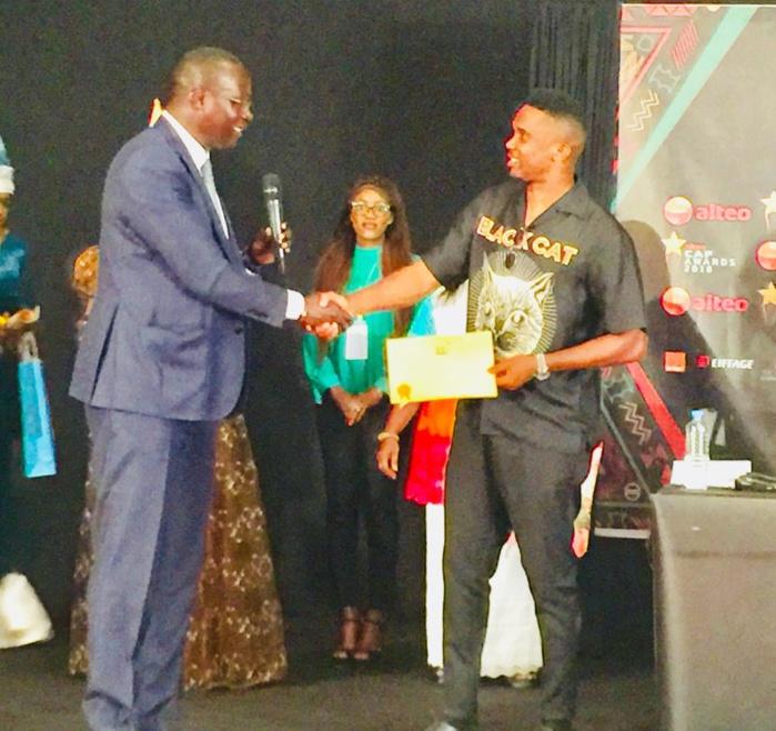 """Samuel Eto'o """"citoyen d'honneur"""" de l'île de Gorée, accueilli en héros"""